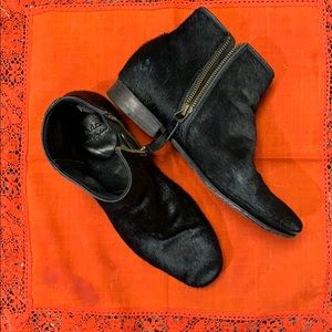 NDC Black cowhide ankle boots excellent condition